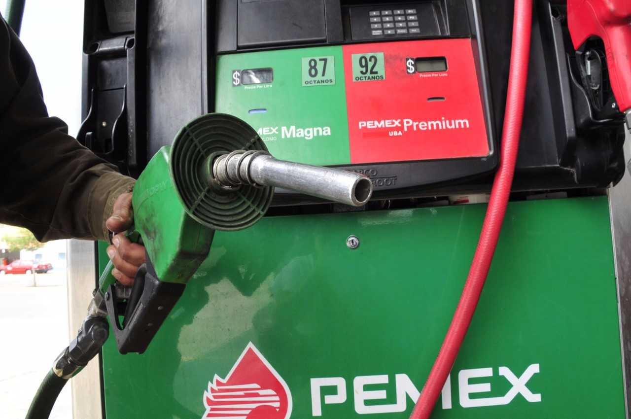 Pemex garantiza abasto de combustibles durante contingencia