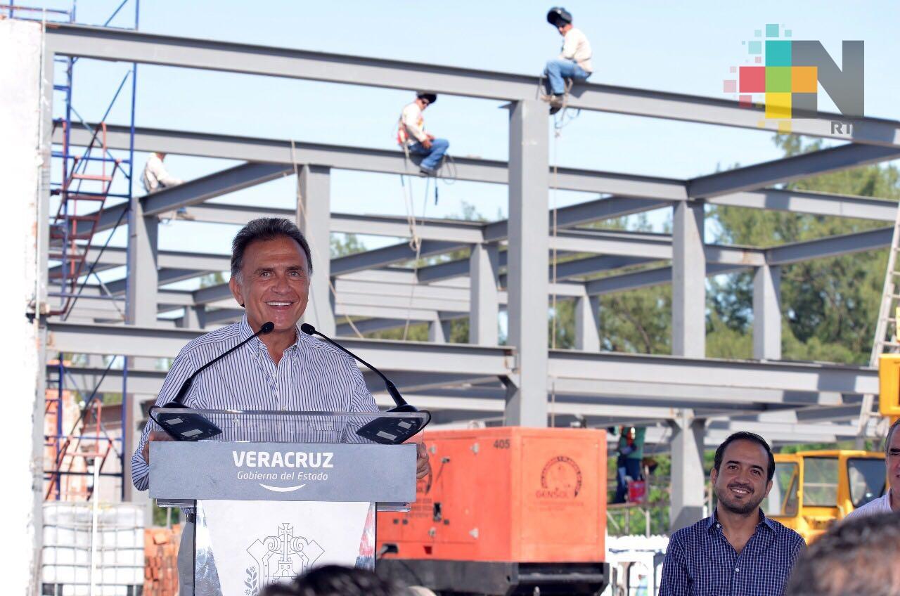 Gobernador Yunes supervisa avance del Centro Integral de Justicia, en el puerto de Veracruz