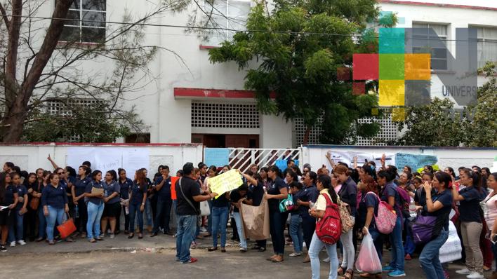 Solicitan alumnos de la UPN la rehabilitación de su escuela por daños tras sismo