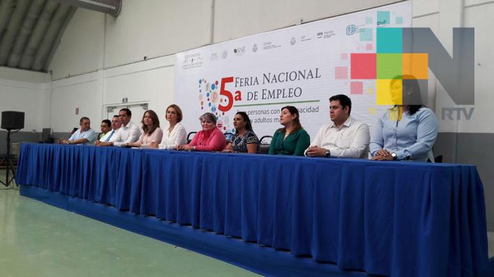 Realizan en Boca del Río feria del empleo para personas con discapacidad y adultos mayores