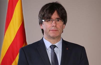 Independentistas catalanes por investir como presidente a Puigdemont