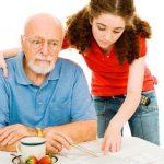 Olvidar pequeños detalles, señal de riesgo de demencia