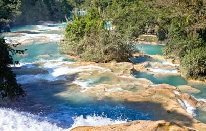 Baja fluido en cascadas de Agua Azul en Chiapas por causas naturales
