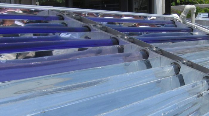 Investigador crea método para limpiar agua contaminada con energía solar