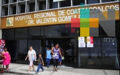 Trabajadores del hospital de Coatzacoalcos esperan pago de prestaciones de fin de año en tiempo y forma