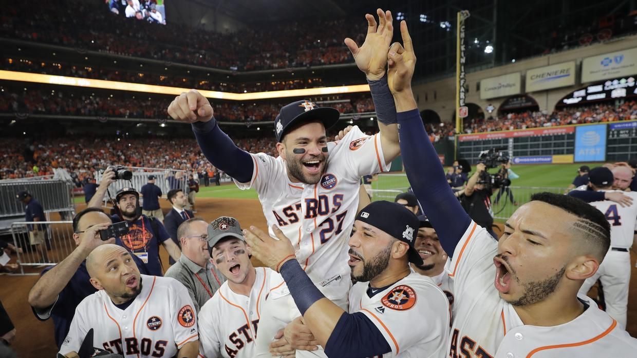 Astros de Houston despide a gerente general y manager, por robo de señales