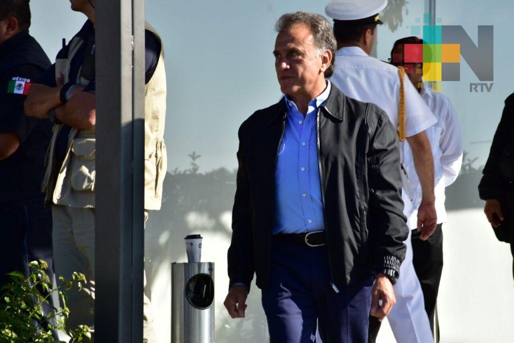 Gobernador Yunes Linares entrega patrullas, motocicletas y drones para reforzar la seguridad en Veracruz