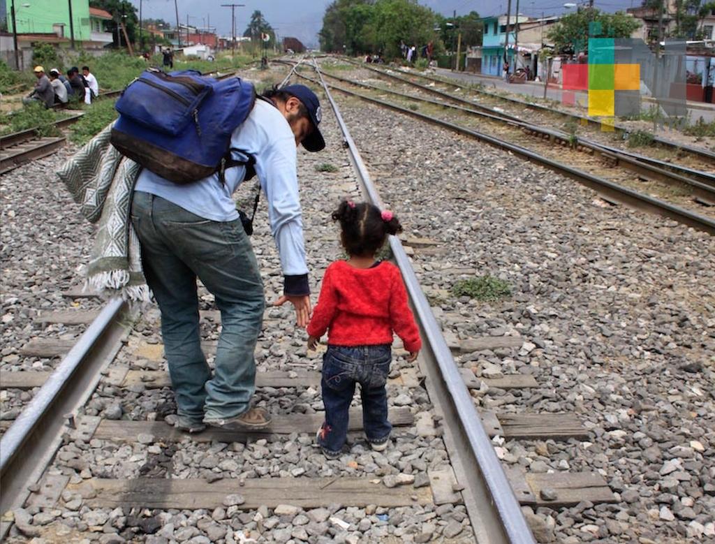 EUA detendrá indefinidamente a familias migrantes con niños