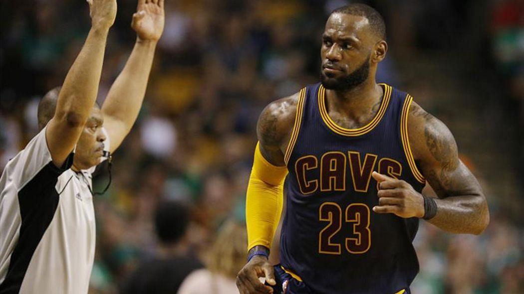 Cavaliers llega a 20 victorias en la NBA al ganar 123-114 a Hawks