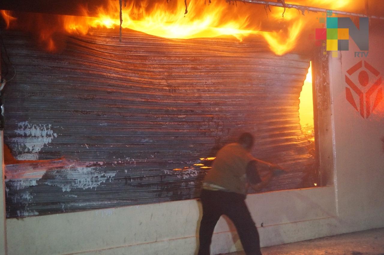 Se incendia casa de empeño en Martínez de la Torre
