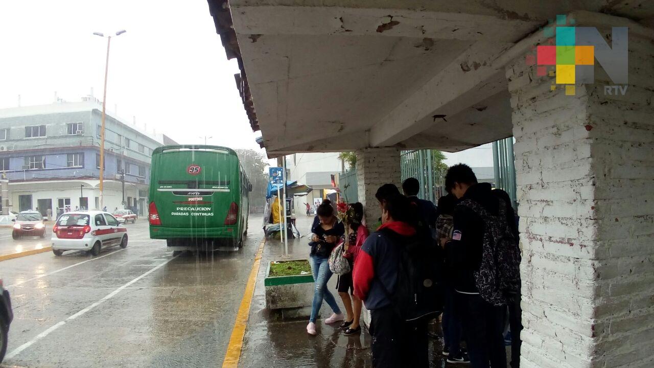 Dominará ambiente diurno cálido y lluvias-tormentas en gran parte de Veracruz,