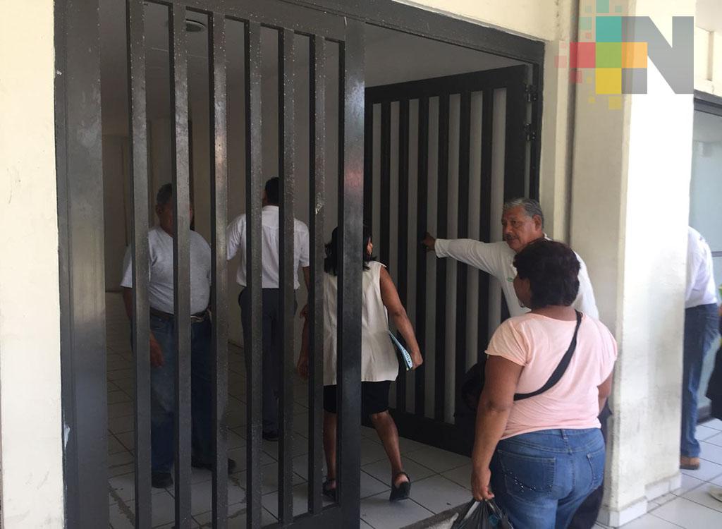 Tribunal ordena a Ayuntamiento de Coatzacoalcos que respete salarios de sus trabajadores