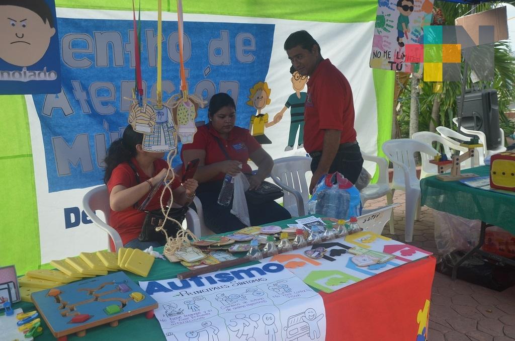 Unidades de atención especial realizan feria de la discapacidad en Tuxpan