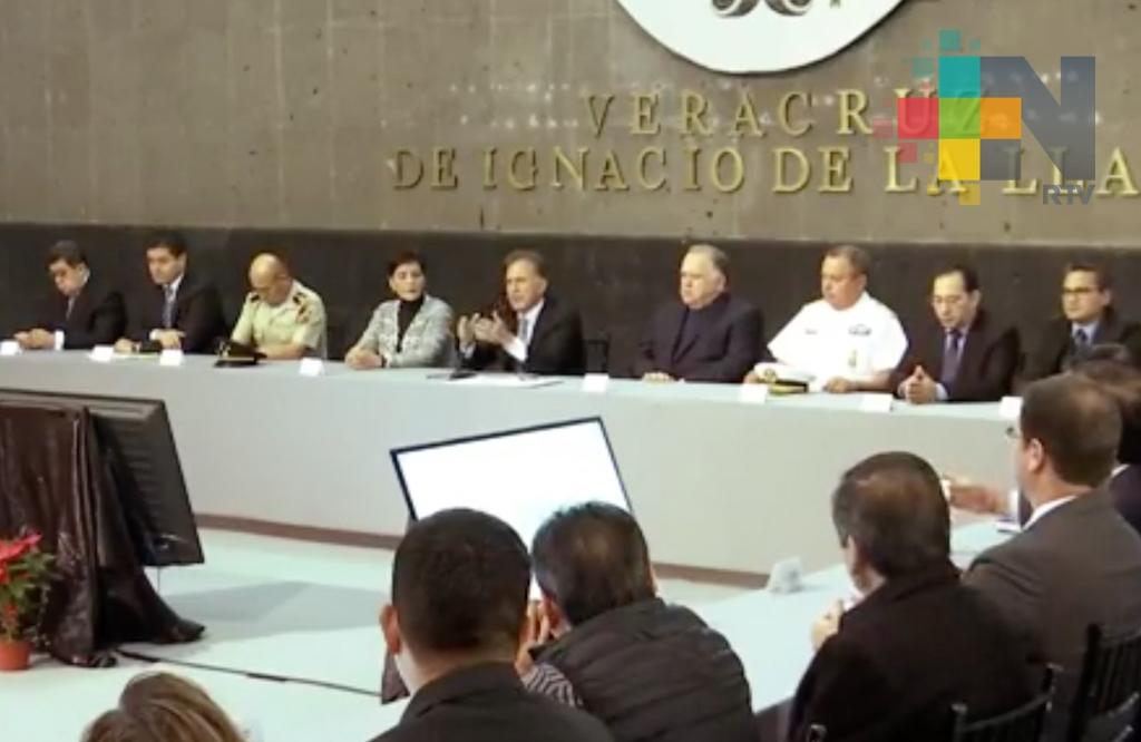 Firma gobernador Yunes convenio con 23 ayuntamientos para reconstituir sus Policías Municipales