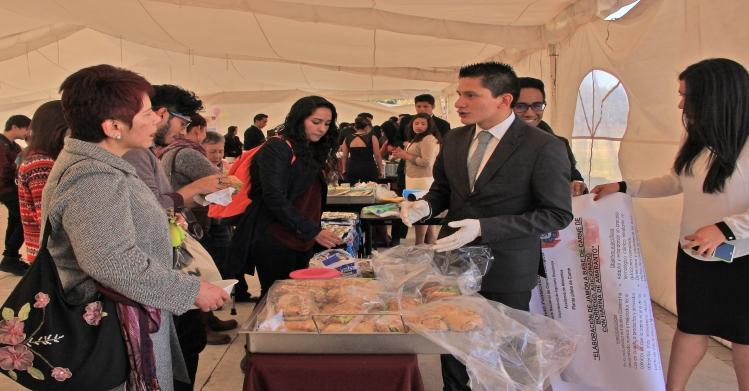 Estudiantes politécnicos muestran alimentos innovadores