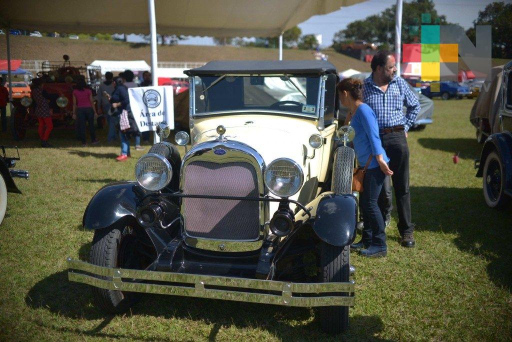 Club del Automóvil Antiguo de Xalapa realizará desfile por el Día del Padre