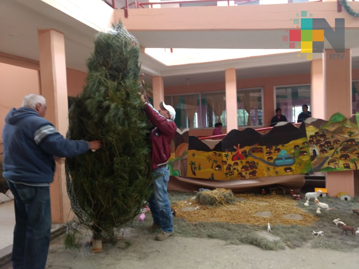 Lleva RTV alegría navideña a abuelitos del asilo Cáritas de Xalapa