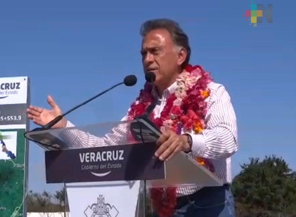 Gobernador Yunes visita la región de Chicontepec
