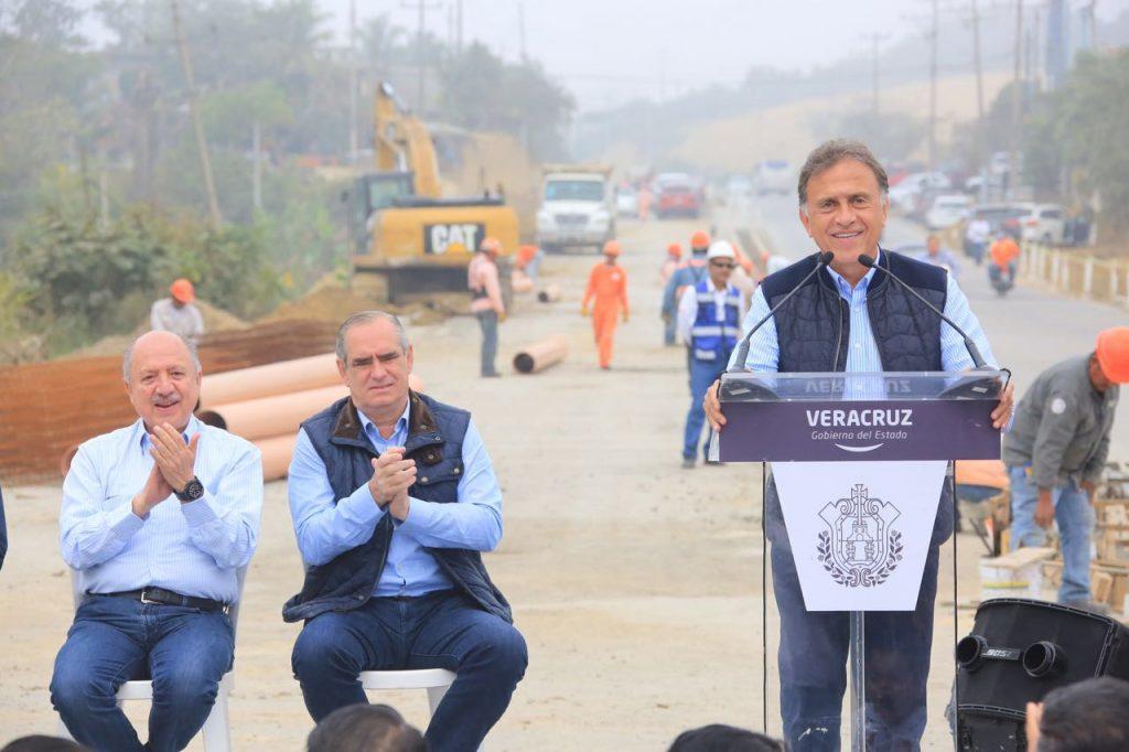 Supervisa el gobernador Yunes reconstrucción del Libramiento de Tuxpan y anuncia más obras para el norte de Veracruz
