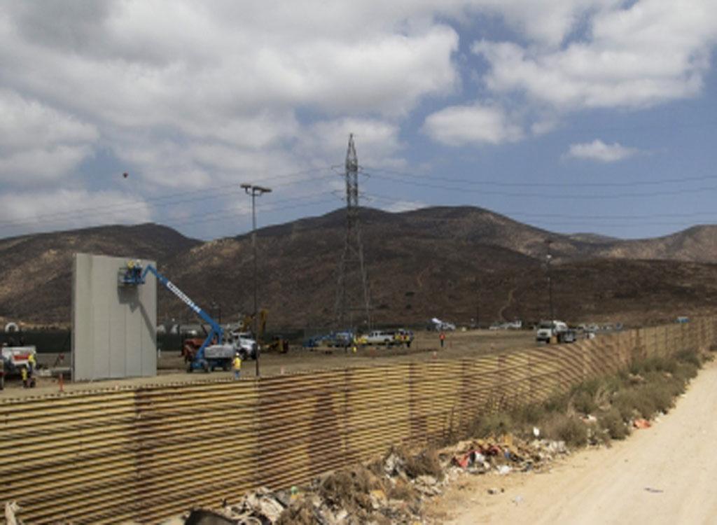 Pentágono libera mil millones de dólares para valla fronteriza