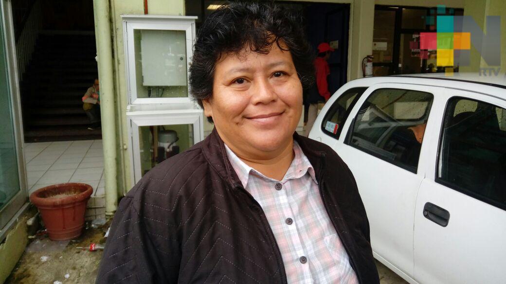 En Coatzacoalcos pagarán becas municipales el 15 de noviembre: Regidora