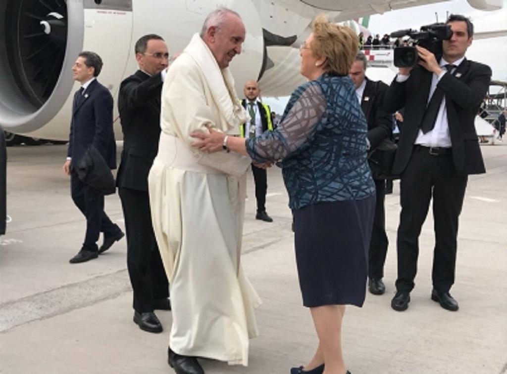 Llega a Chile Papa Francisco en visita apostólica