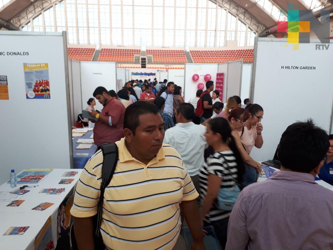 Supera expectativas feria del empleo en Veracruz puerto