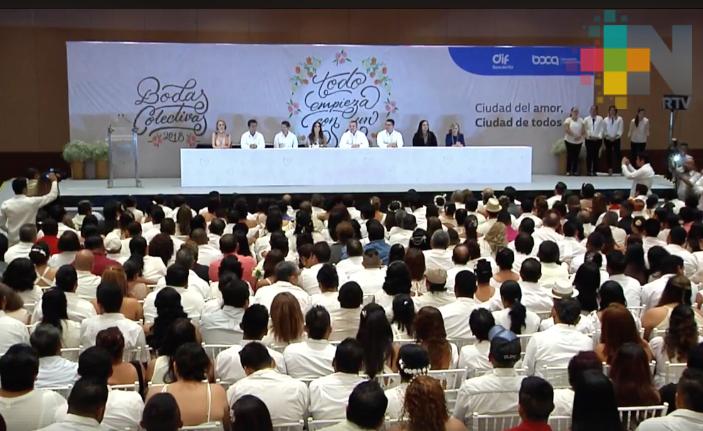 Se casan 340 parejas en bodas colectivas de Boca del Río