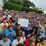 ¡Fuera Carranza! le gritan empleados municipales al alcalde de Morena en Coatzacoalcos; tomarán el palacio