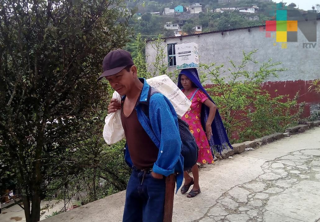 """Veracruz comienza contigo"" llega a más de 20 comunidades de Ilamatlán"