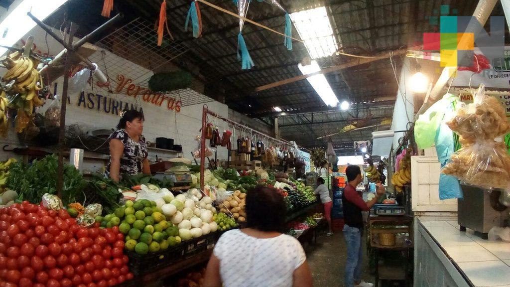 Caen ventas del mercado 'Puerto México', en Coatza, por malas condiciones del inmueble