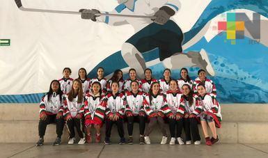Realizan mundial femenil de hockey sobre hielo en México