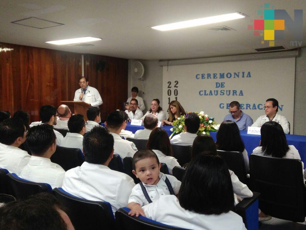 Concluyen especialidad médicos residentes del hospital de Alta Especialidad de Veracruz