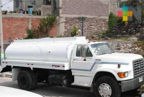 Revisarán calidad del agua potable de pipas en Tuxpan