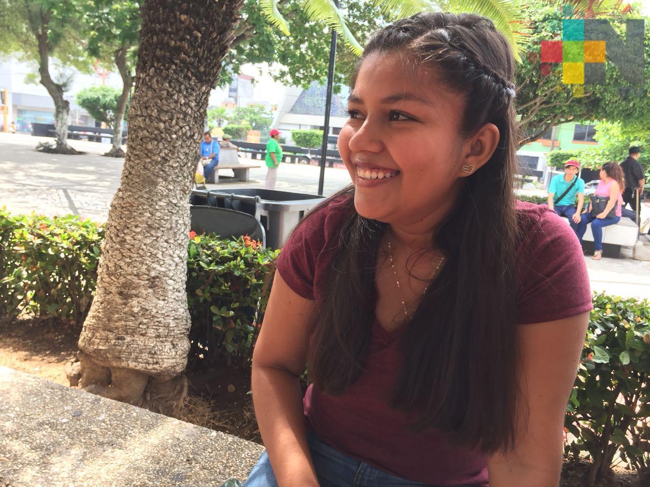 Luz Mariel tiene 20 años y lucha contra el cáncer de ovarios; solicita ayuda de la ciudadanía