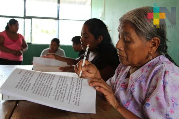 IVEA e Inapam trabajan en reducir índice de analfabetismo en la zona norte de Veracruz