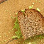 Importante no consumir alimentos que caen al suelo