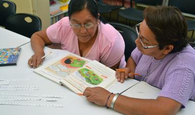 IVEA busca abatir rezago educativo de 2 millones 600 personas en Veracruz
