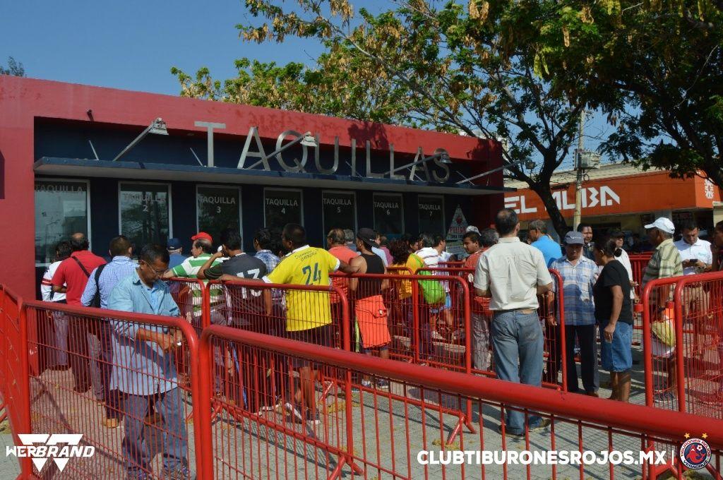 Inicia con éxito la entrega de boletos para el juego ante León