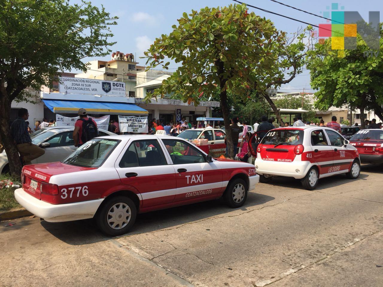 Por el momento, taxistas de Coatzacoalcos no solicitarán aumento de tarifa del servicio