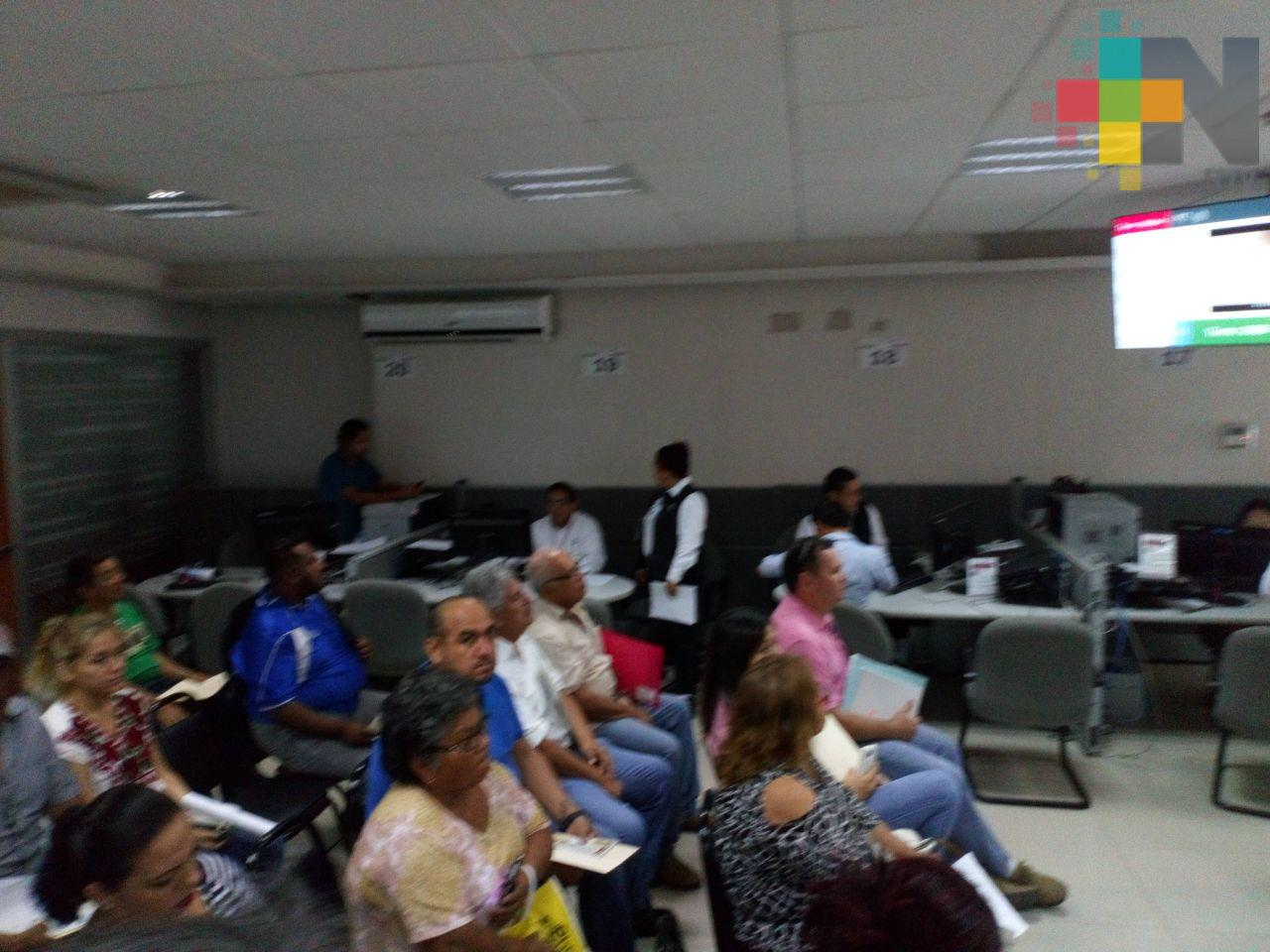 Más de 10 mil contribuyentes del sur de Veracruz cumplen con declaración anual ante el SAT