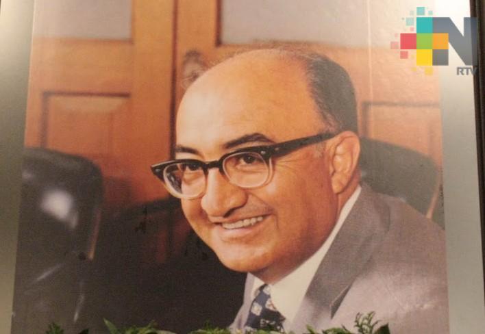 Conmemoran aniversario luctuoso del exgobernador Agustín Acosta Lagunes