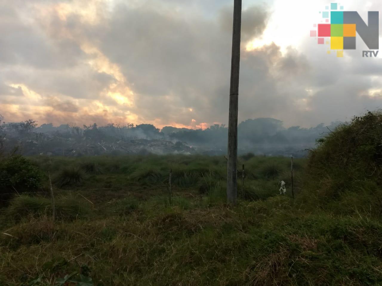 Incendio consume dos hectáreas de pastizal en Medellín de Bravo