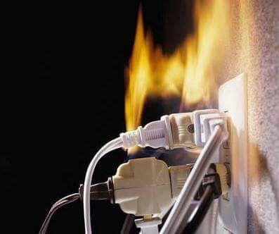 Advierte PC en Coatzacoalcos sobre los riesgos de incendios por sobrecarga de multicontacto