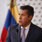 Candidato opositor plantea dolarizar la economía venezolana