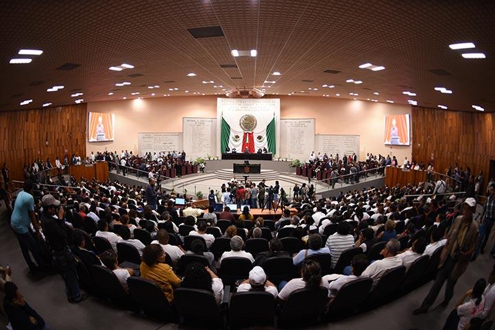 Morena acapara comisiones permanentes, señalan grupos parlamentarios opositores