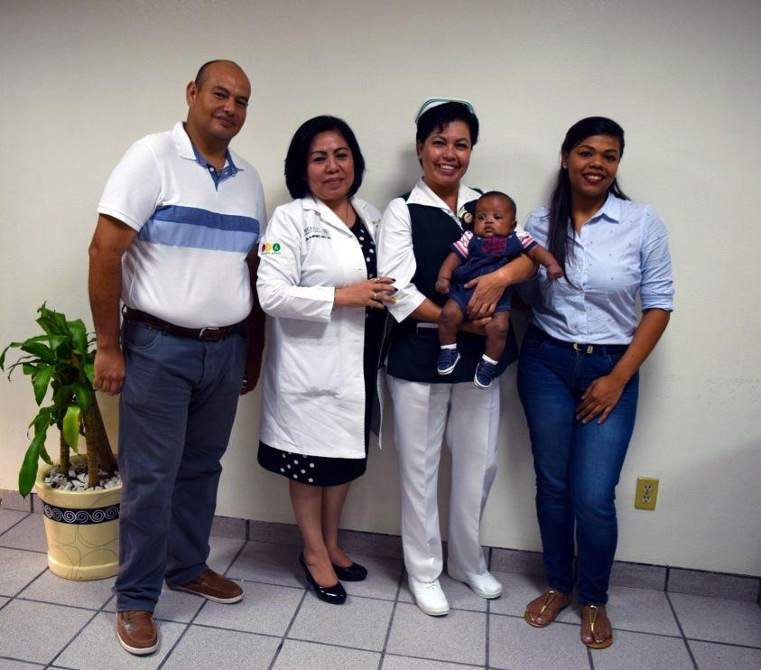 Logran supervivencia de bebé prematuro en IMSS de Poza Rica
