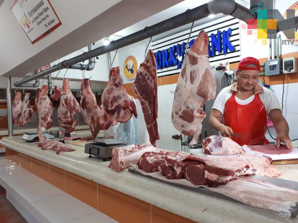 Hasta un 40% caen ventas de carne de cerdo y res en mercado Hidalgo de Veracruz