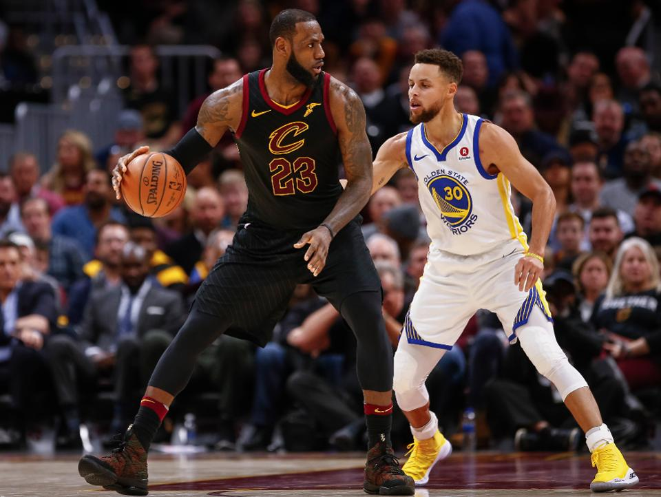 Warriors-Cavaliers inician la batalla de la cuarta final NBA
