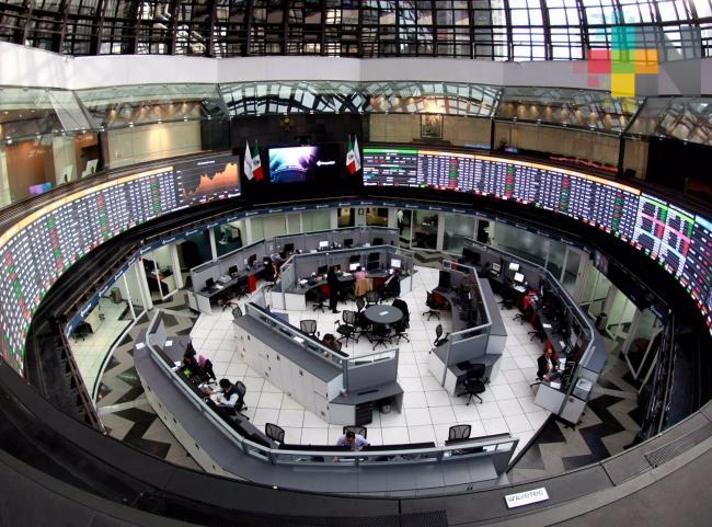 Bolsa Mexicana inicia semana al alza, luego de cancelación de aranceles